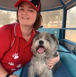 Aussie Pooch Mobile groomer heads towards the smoke